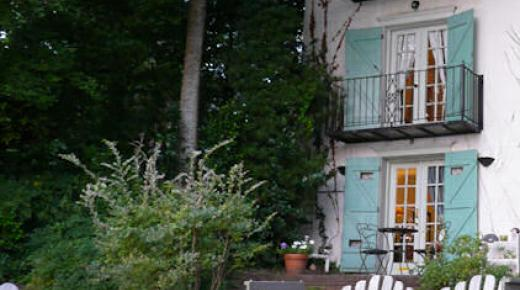 Andre's Riverview Bed & Breakfast